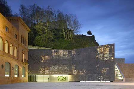 façade extérieure du Musée San Telmo à San Sebastian (Espagne)