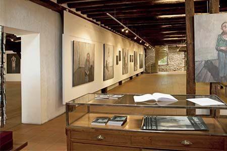 vue des salles du centre d'art contemporain de Mont-de-Marsan